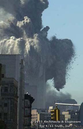 I materiali della Prima Torre sono stati lanciati a diverse decine di metri in tutte le direzioni