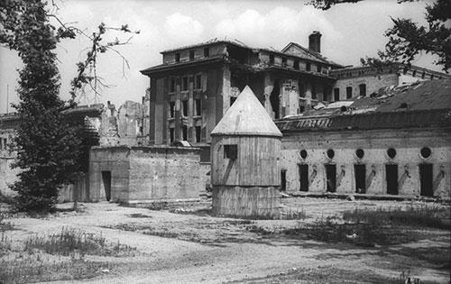 L'entrata del bunker di Hitler a Berlino