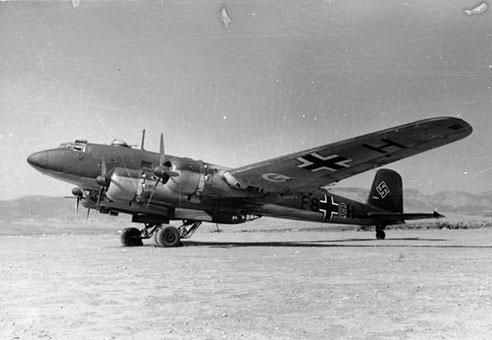 Il Focke-Wulf Condor 200, utilizzato dai nazisti per la fuga (Bundesarchiv, Bild 101I-432-0796-07 / Kranz)