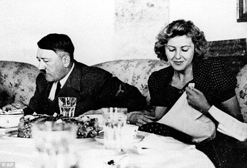 Hitler con la moglie Eva Braun