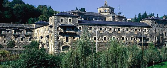 Il monastero di Samos, che ospitava i criminali nazisti in fuga