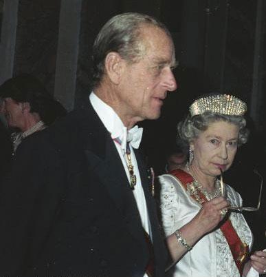 La regina Elisabetta II con il marito Filippo di Edimburgo